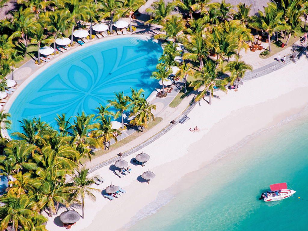 Paradis Beachcomber Golf Resort and Spa 5*
